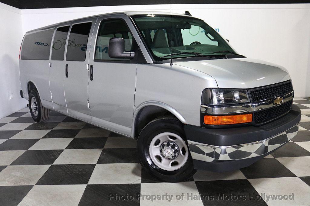 "2017 Chevrolet Express Passenger RWD 3500 155"" LT w/1LT - 18387162 - 3"