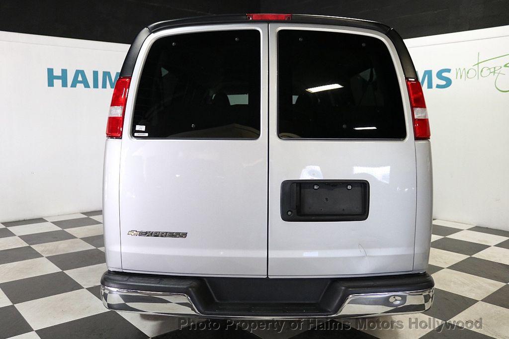 "2017 Chevrolet Express Passenger RWD 3500 155"" LT w/1LT - 18387162 - 5"