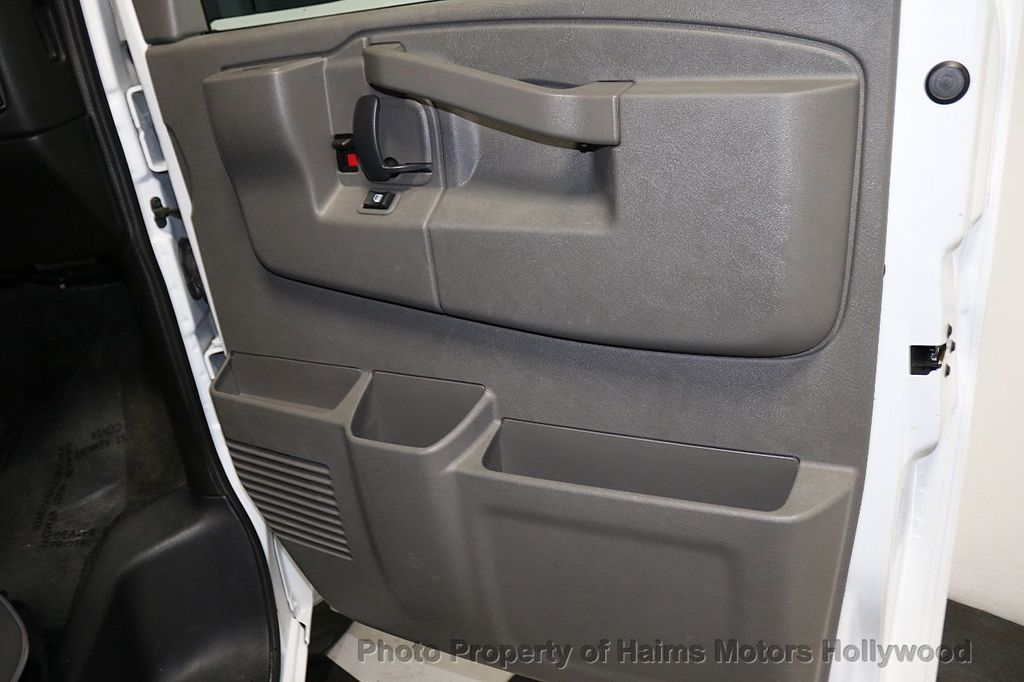 "2017 Chevrolet Express Passenger RWD 3500 155"" LT w/1LT - 18602881 - 10"