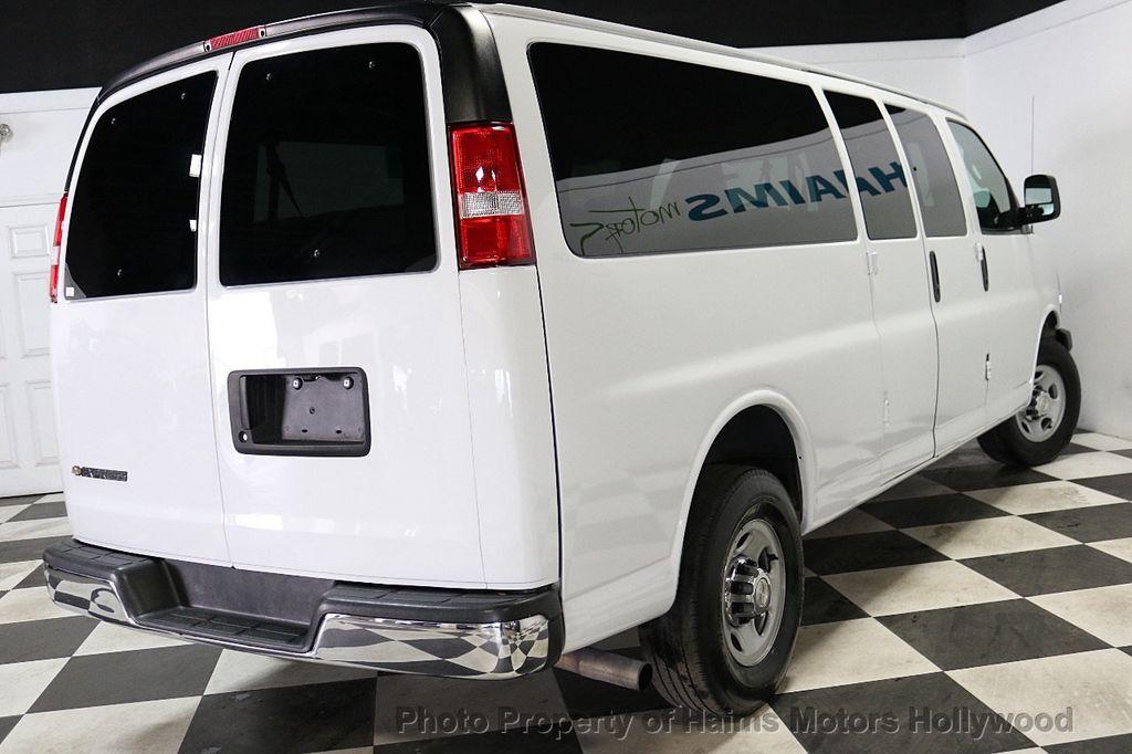 "2017 Chevrolet Express Passenger RWD 3500 155"" LT w/1LT - 18602881 - 6"