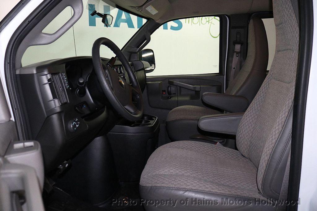"2017 Chevrolet Express Passenger RWD 3500 155"" LT w/1LT - 18653724 - 14"