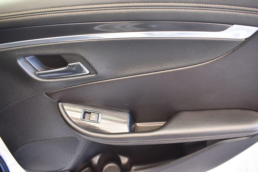 2017 Chevrolet Impala 4dr Sedan LT w/1LT - 17965858 - 23