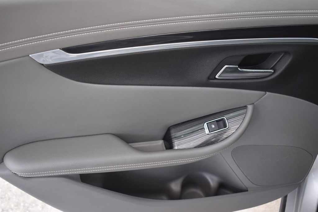 2017 Chevrolet Impala 4dr Sedan LT w/1LT - 18546160 - 11