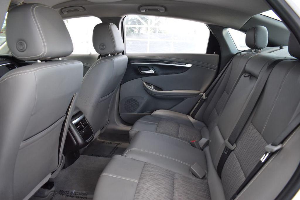 2017 Chevrolet Impala 4dr Sedan LT w/1LT - 18546161 - 12
