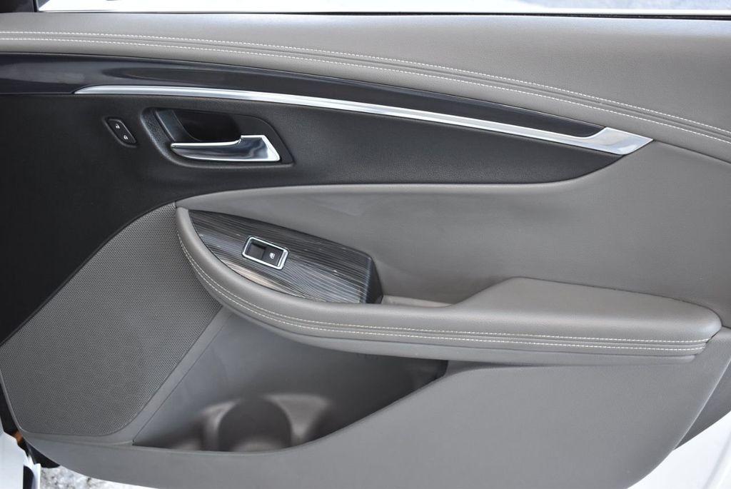 2017 Chevrolet Impala 4dr Sedan LT w/1LT - 18546161 - 24
