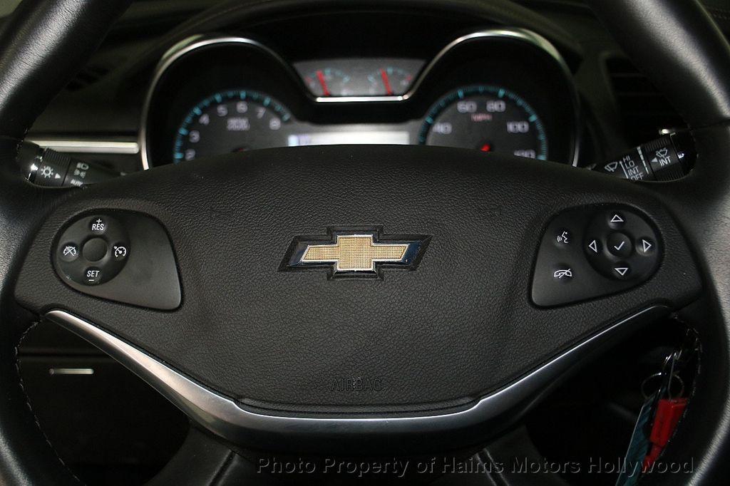 2017 Chevrolet Impala 4dr Sedan LT w/1LT - 16751497 - 24