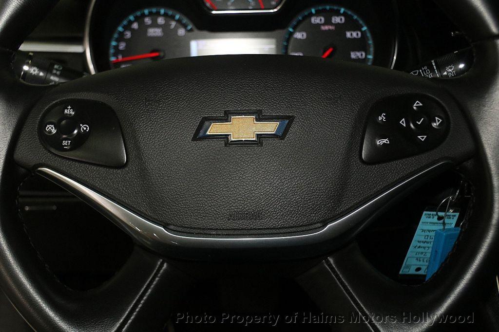 2017 Chevrolet Impala 4dr Sedan LT w/1LT - 17093608 - 23