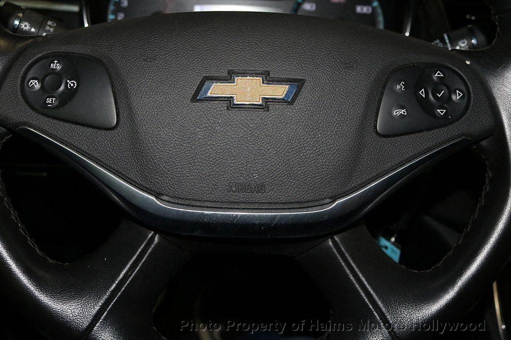 2017 Chevrolet Impala 4dr Sedan LT w/1LT - 17474878 - 25