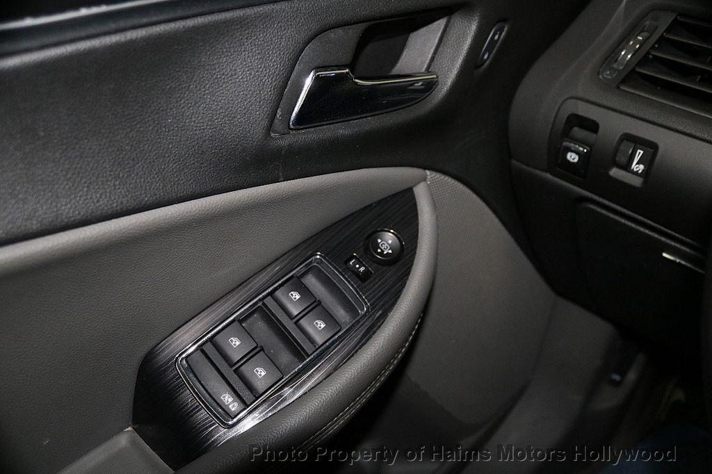 2017 Chevrolet Impala 4dr Sedan LT w/1LT - 17517251 - 22