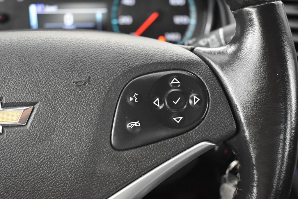 2017 Chevrolet Impala 4dr Sedan LT w/1LT - 18433248 - 22