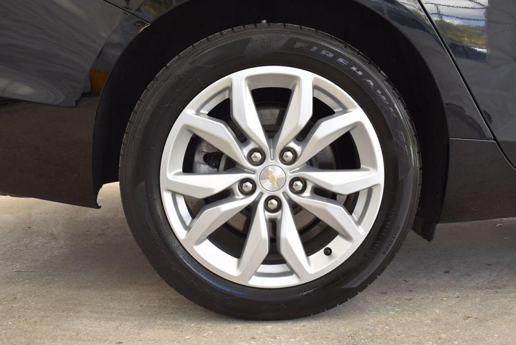 2017 Chevrolet Impala 4dr Sedan LT w/1LT - 18439606 - 9