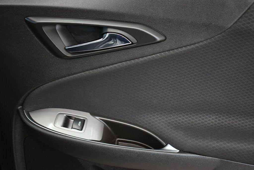 2017 Chevrolet Malibu 4dr Sedan LT w/1LT - 18185688 - 17