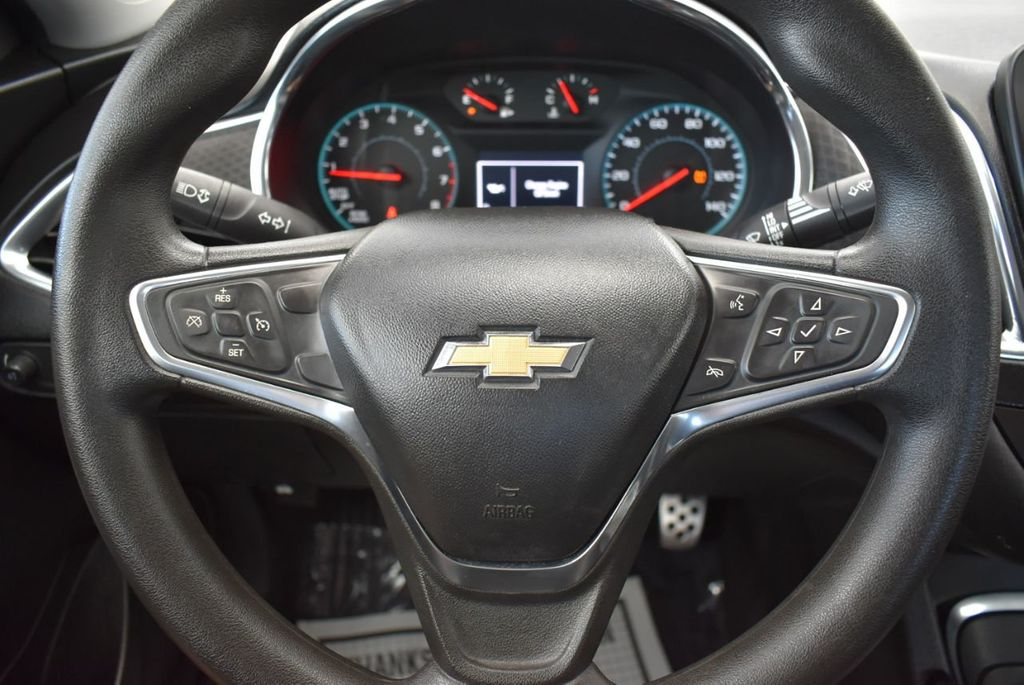 2017 Chevrolet Malibu 4dr Sedan LT w/1LT - 18185688 - 19