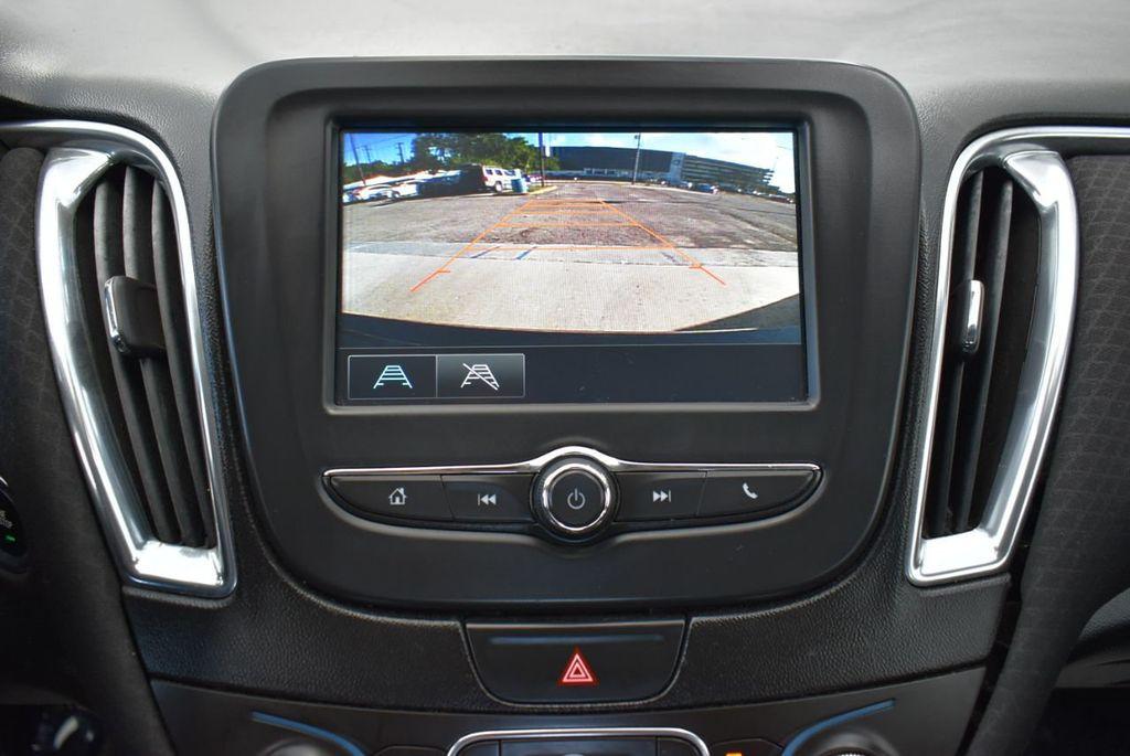 2017 Chevrolet Malibu 4dr Sedan LT w/1LT - 18185688 - 24