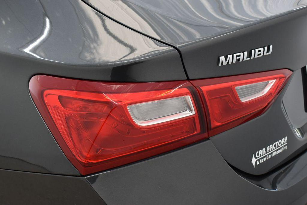 2017 Chevrolet Malibu 4dr Sedan LT w/1LT - 18185688 - 4