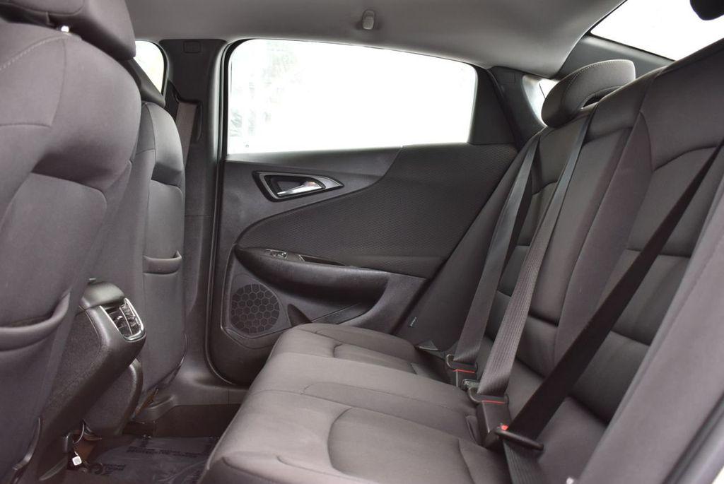 2017 Chevrolet Malibu 4dr Sedan LT w/1LT - 18716090 - 10