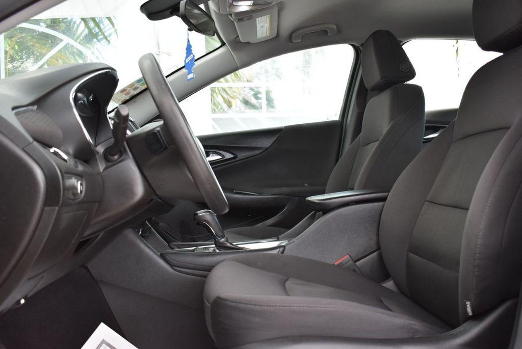 2017 Chevrolet Malibu 4dr Sedan LT w/1LT - 18716090 - 12