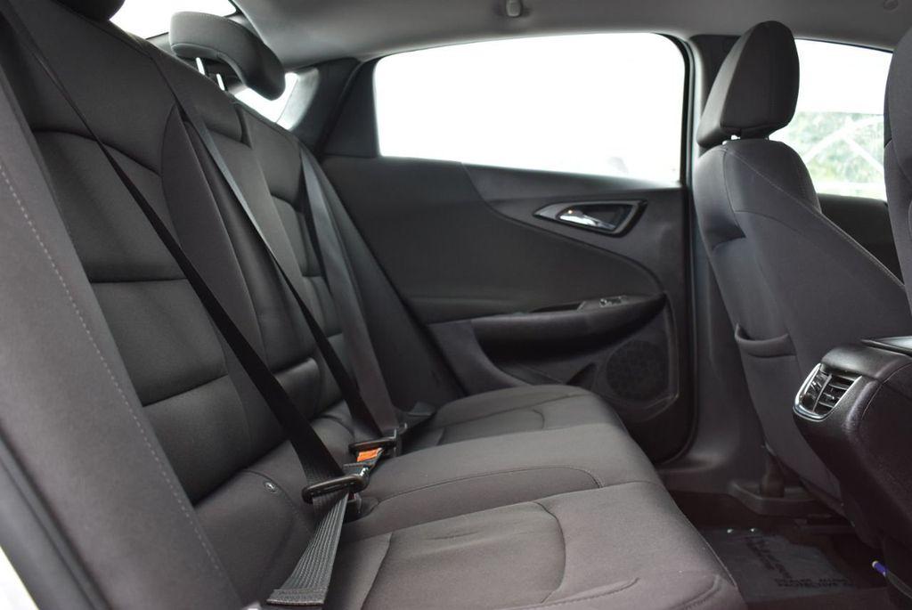 2017 Chevrolet Malibu 4dr Sedan LT w/1LT - 18716090 - 16