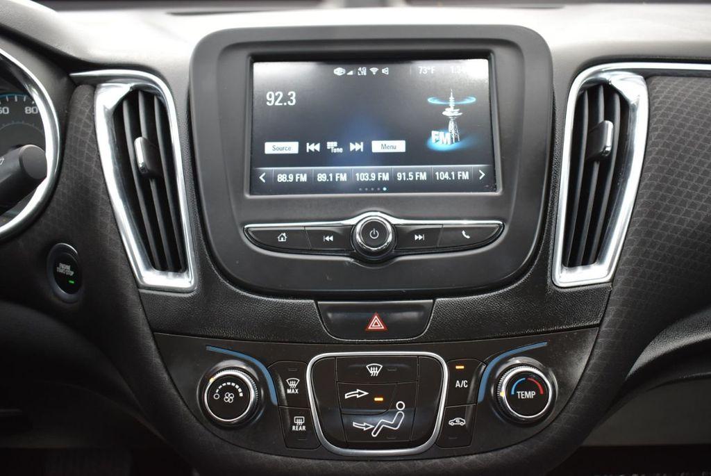 2017 Chevrolet Malibu 4dr Sedan LT w/1LT - 18716090 - 22