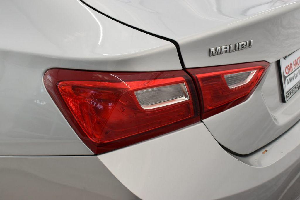 2017 Chevrolet Malibu 4dr Sedan LT w/1LT - 18716090 - 4