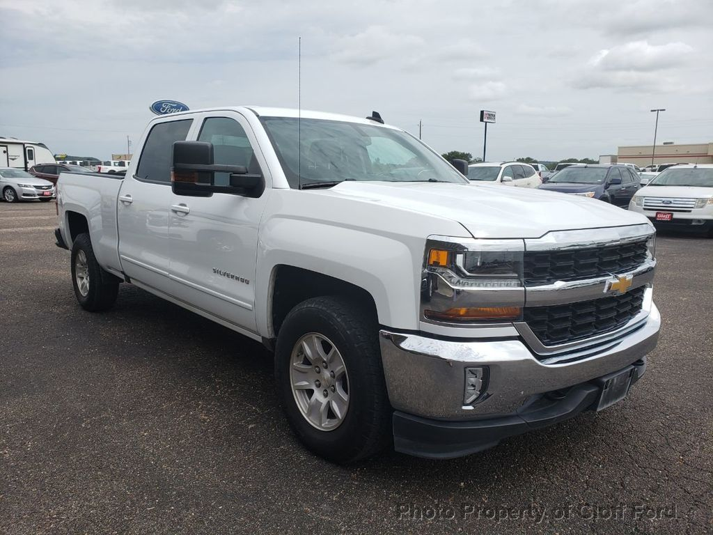 "Dealer Video - 2017 Chevrolet Silverado 1500 4WD Crew Cab 143.5"" LT w/1LT - 19067021"