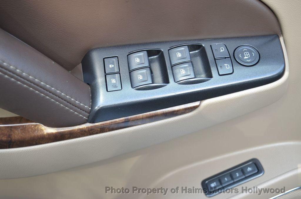 2017 Chevrolet Suburban 2WD 4dr 1500 LT - 18220297 - 22