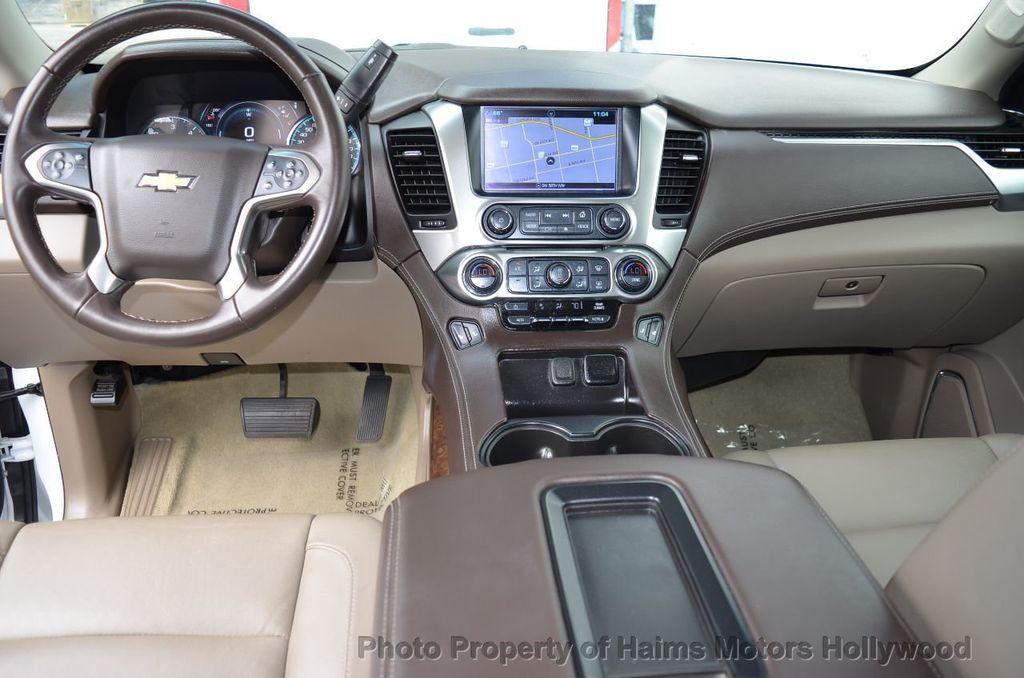 2017 Chevrolet Suburban 2WD 4dr 1500 LT - 18220297 - 29