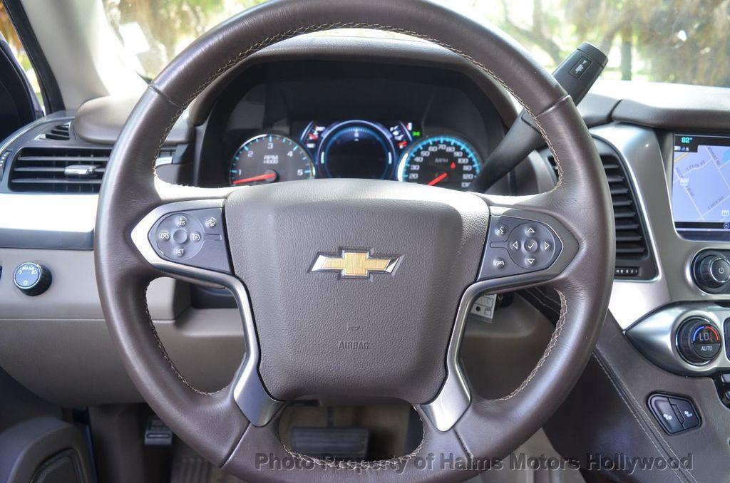 2017 Chevrolet Suburban 2WD 4dr 1500 LT - 18220297 - 31