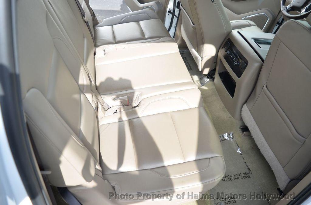 2017 Chevrolet Suburban 2WD 4dr 1500 LT - 18220297 - 34