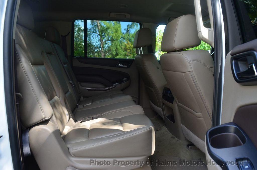2017 Chevrolet Suburban 2WD 4dr 1500 LT - 18220297 - 36