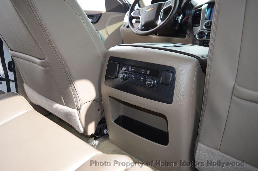 2017 Chevrolet Suburban 2WD 4dr 1500 LT - 18220297 - 37
