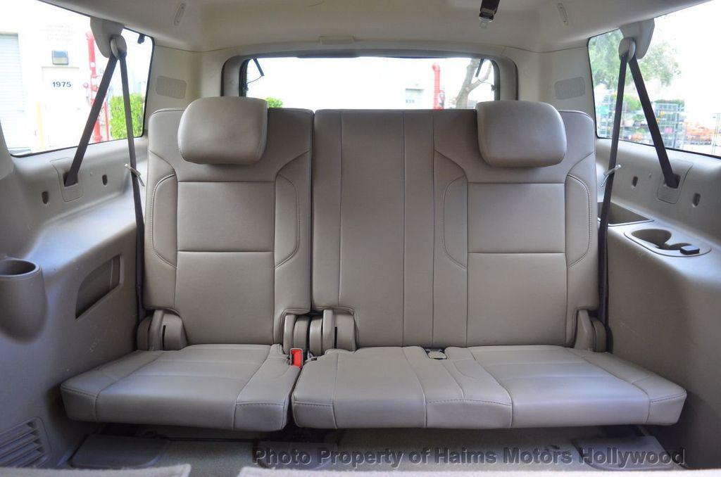 2017 Chevrolet Suburban 2WD 4dr 1500 LT - 18220297 - 40