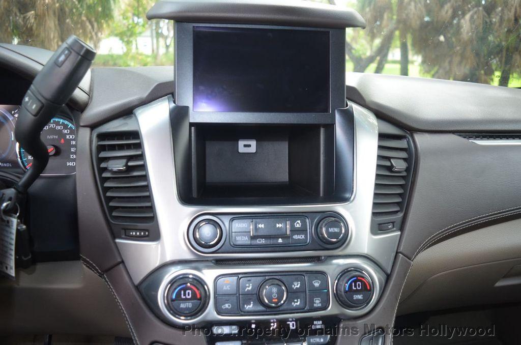 2017 Chevrolet Suburban 2WD 4dr 1500 LT - 18220297 - 46