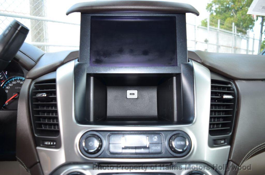 2017 Chevrolet Suburban 2WD 4dr 1500 LT - 18220297 - 47