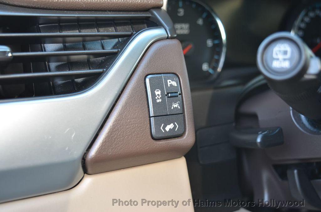 2017 Chevrolet Suburban 2WD 4dr 1500 LT - 18220297 - 59