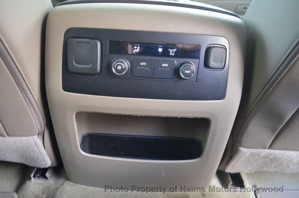 2017 Chevrolet Suburban 2WD 4dr 1500 LT - 18220297 - 61