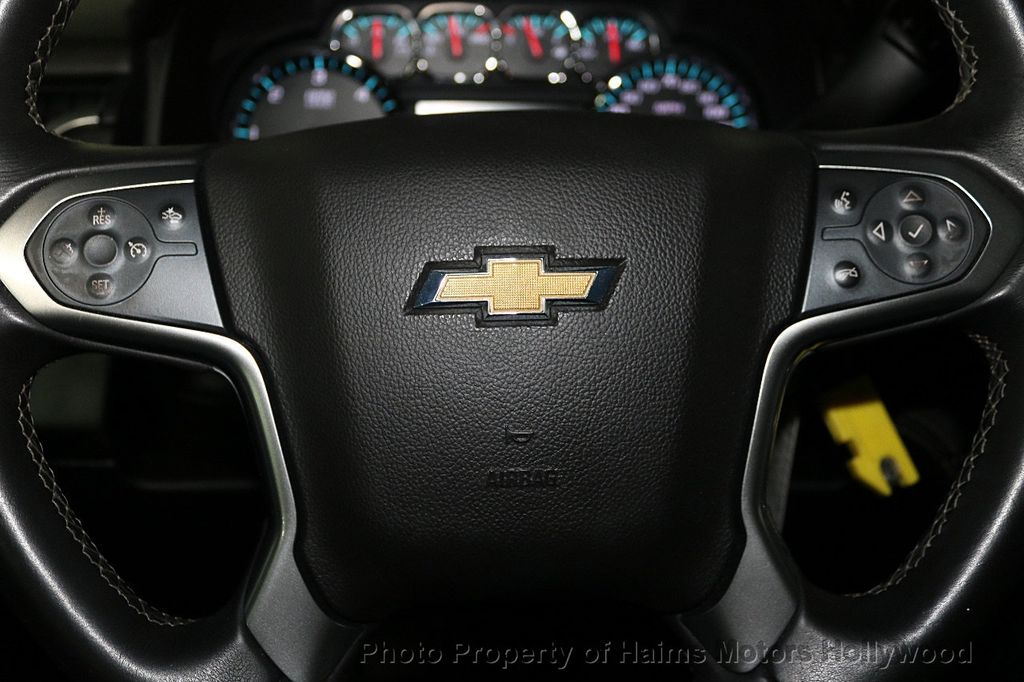 2017 Chevrolet Suburban 4WD 4dr 1500 LT - 18116855 - 29