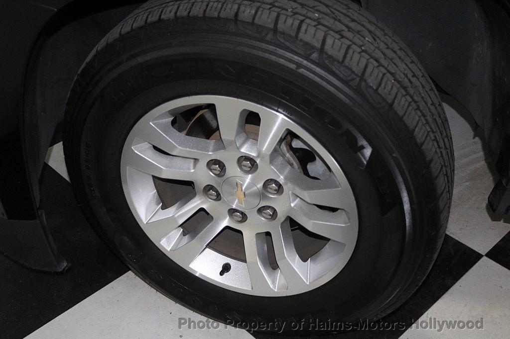 2017 Chevrolet Suburban 4WD 4dr 1500 LT - 18116855 - 35