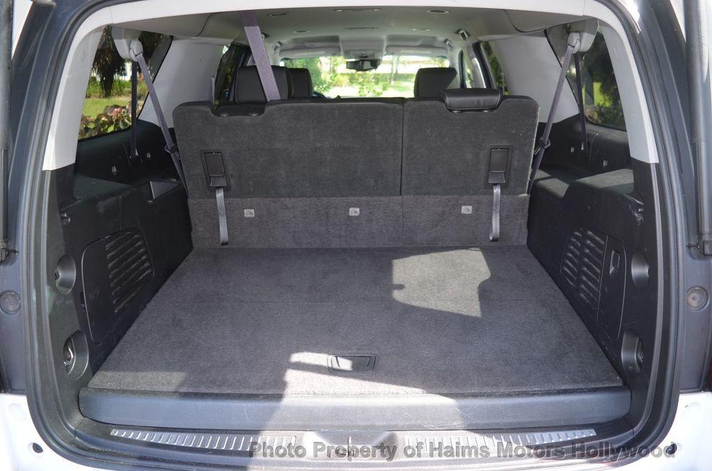 2017 Chevrolet Suburban 4WD 4dr 1500 LT - 18141769 - 9