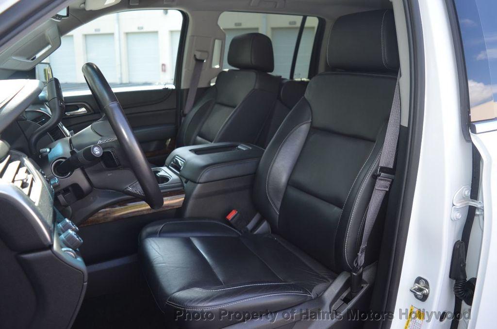 2017 Chevrolet Suburban 4WD 4dr 1500 LT - 18141769 - 10