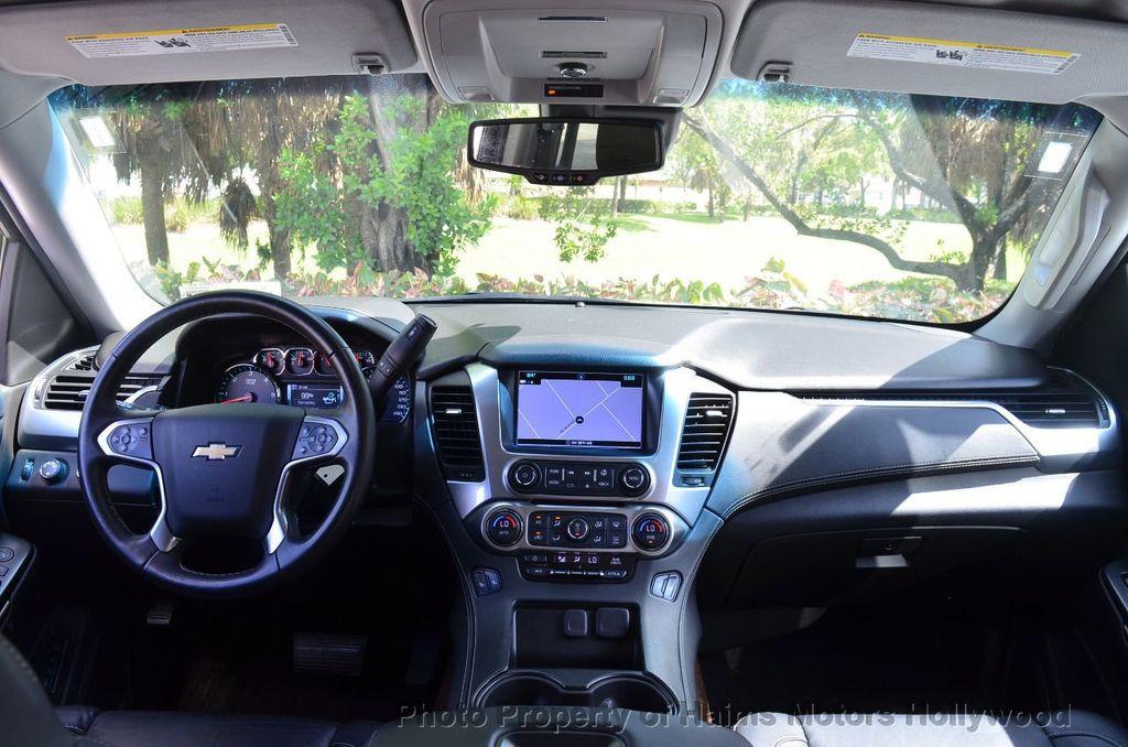 2017 Chevrolet Suburban 4WD 4dr 1500 LT - 18141769 - 11