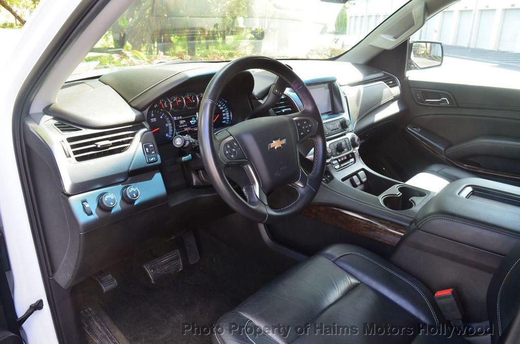 2017 Chevrolet Suburban 4WD 4dr 1500 LT - 18141769 - 12