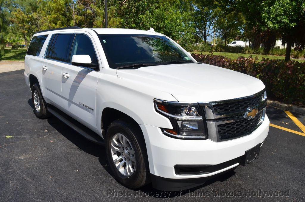2017 Chevrolet Suburban 4WD 4dr 1500 LT - 18141769 - 3