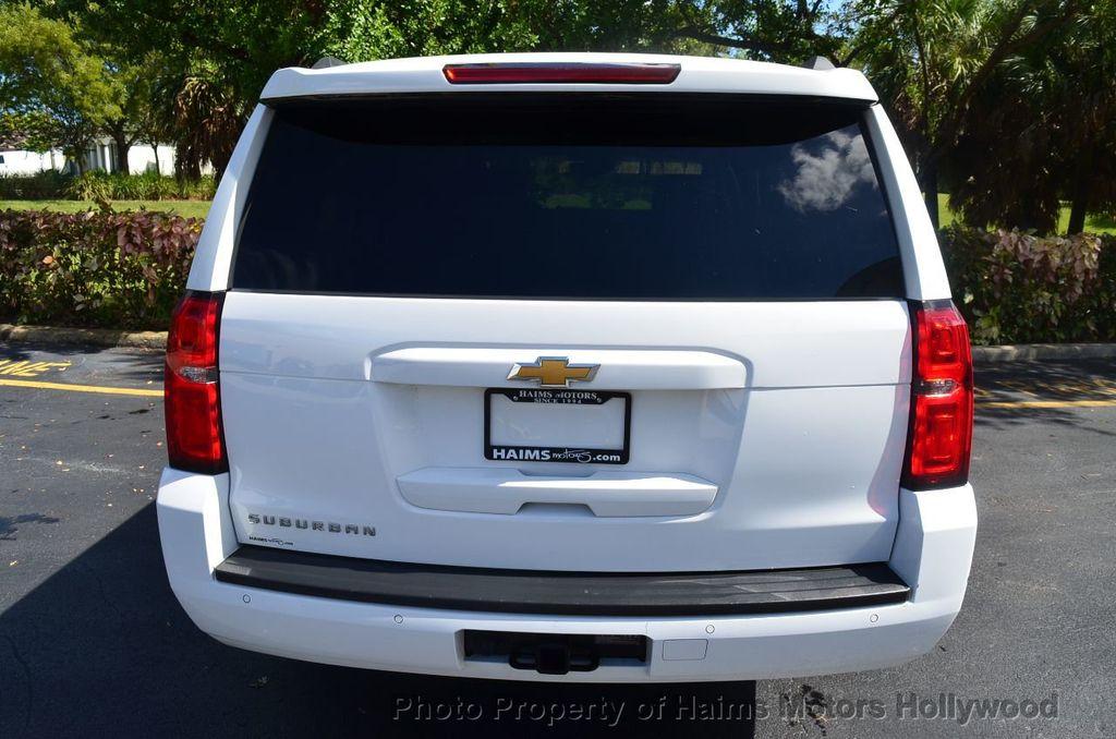 2017 Chevrolet Suburban 4WD 4dr 1500 LT - 18141769 - 7