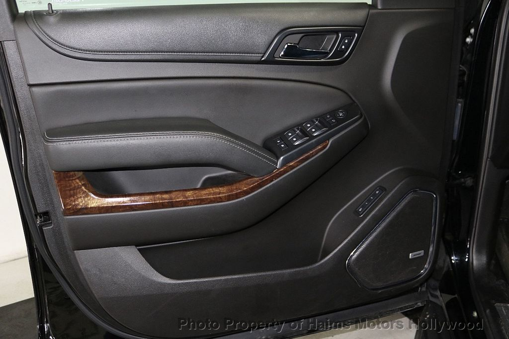 2017 Chevrolet Suburban 4WD 4dr 1500 LT - 18146670 - 11
