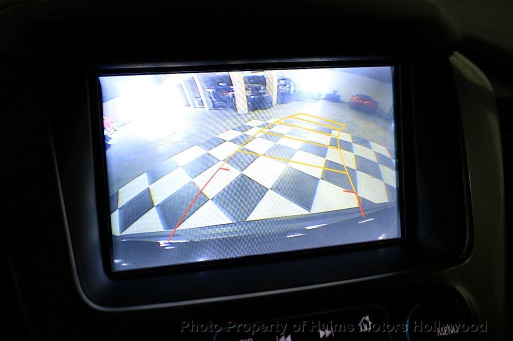 2017 Chevrolet Suburban 4WD 4dr 1500 LT - 18146670 - 34