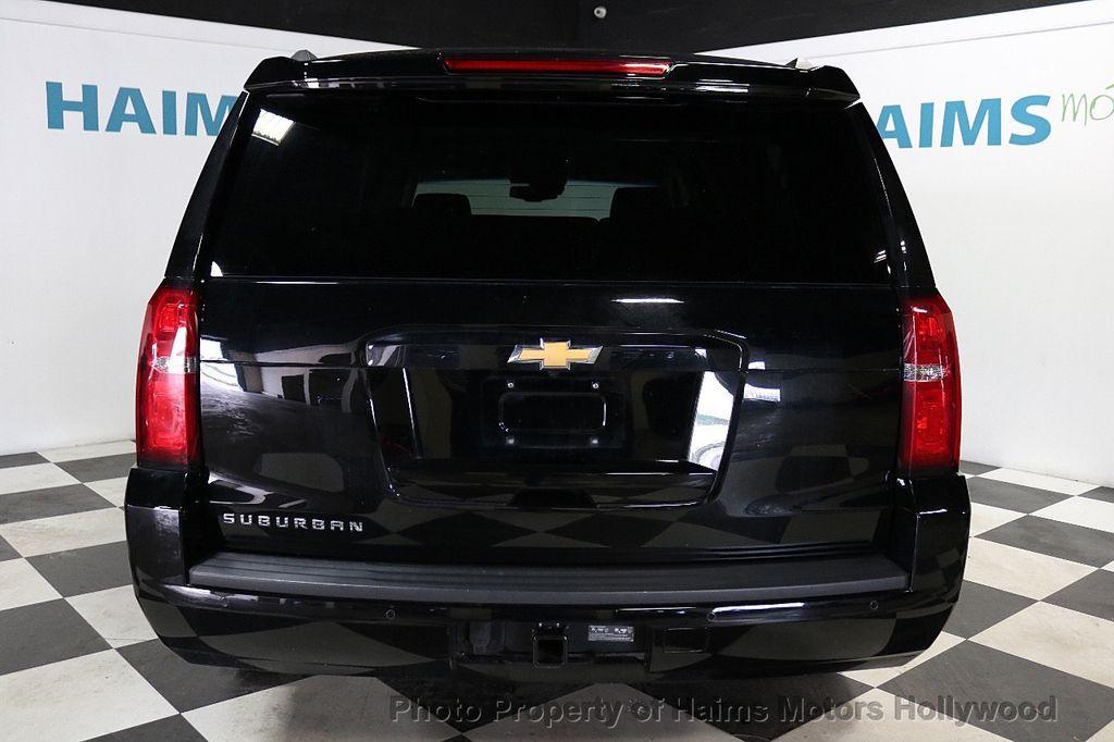 2017 Chevrolet Suburban 4WD 4dr 1500 LT - 18146670 - 5