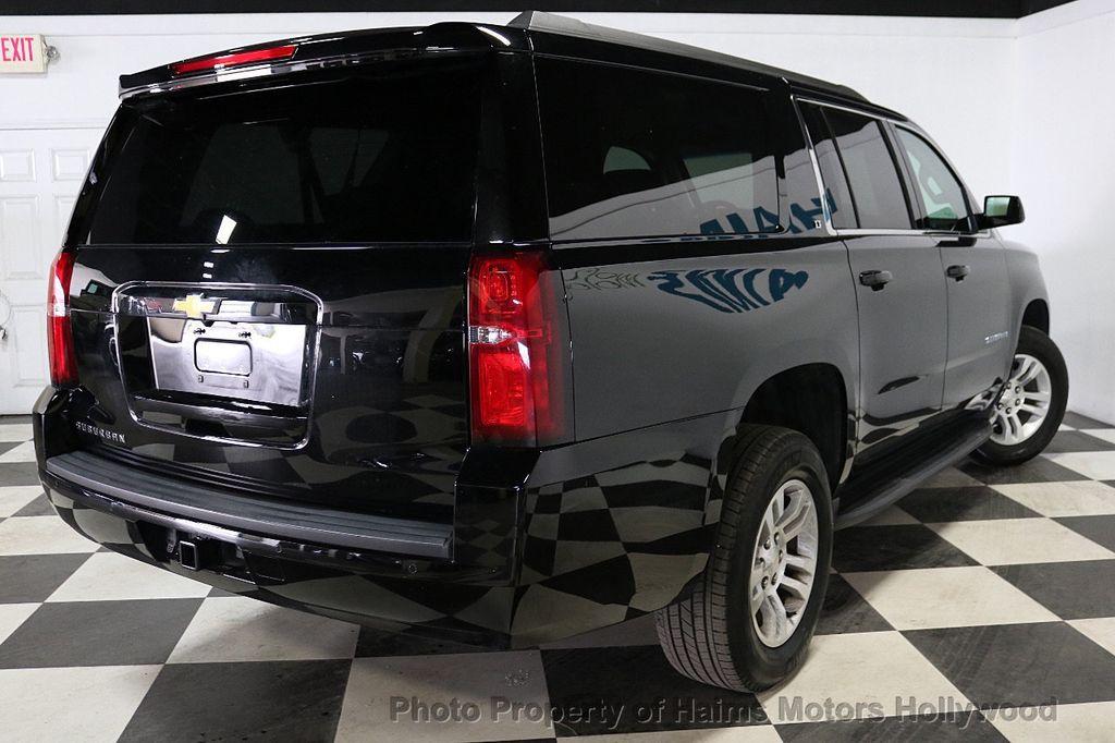 2017 Chevrolet Suburban 4WD 4dr 1500 LT - 18146670 - 6