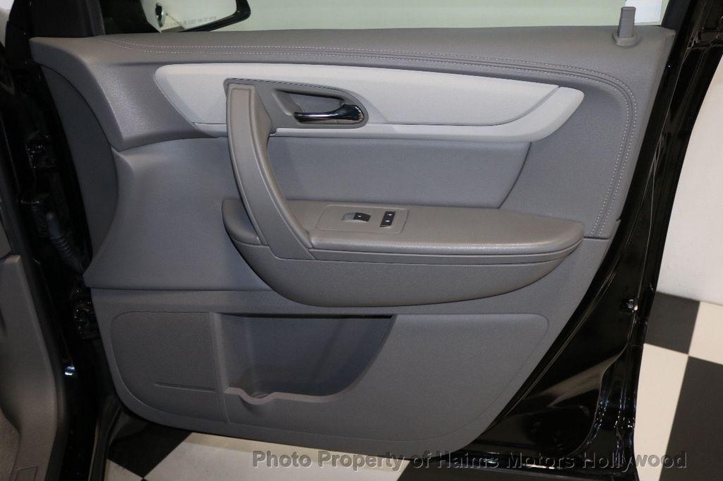 2017 Chevrolet Traverse FWD 4dr LT w/1LT - 17517361 - 12