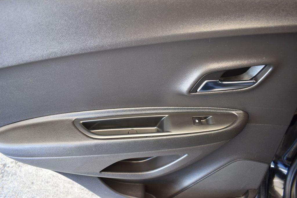 2017 Chevrolet Trax AWD 4dr LT - 18122108 - 13